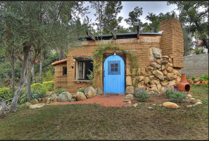 Tiny house in Santa Barbara artists colony