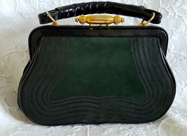 Ceci's purse