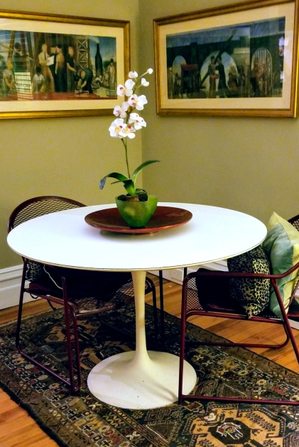 vertical tulip table with orchids